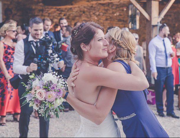 Embrassade de la mariée